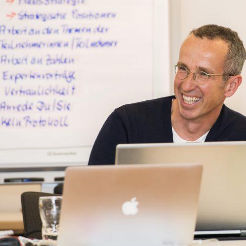 Dr. Gregor Jahnke im Zahnarzt-Unternehmer-Workshop