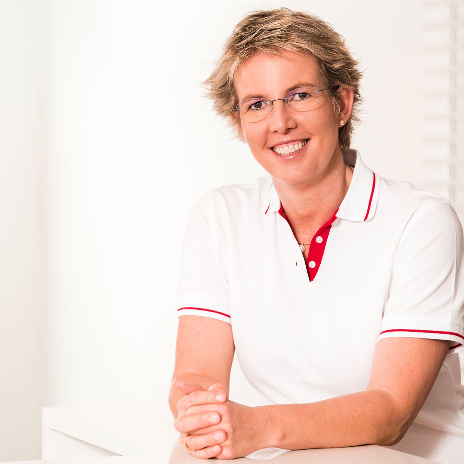 Dr. Carola Wochnik